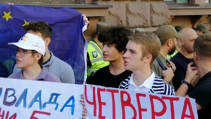"""&quotРепресій немає"""": син Порошенка зізнався, що в повсякденному житті спілкується російською - today.ua"""