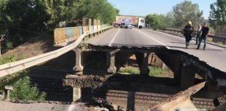 """Під Харковом над залізницею обвалився автомобільний міст (відео) """" - today.ua"""