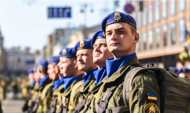 У Зеленського буде власна армія: у МВС переполох  - today.ua