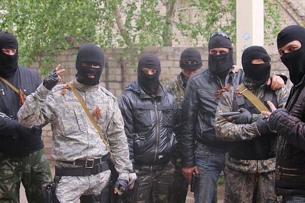 &quotВтопили у фекаліях&quot: на Донбасі помстилися бойовикам, які три дні гвалтували дівчину - today.ua