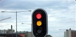 """Водителям рассказали, когда можно ехать на желтый сигнал светофора"""" - today.ua"""