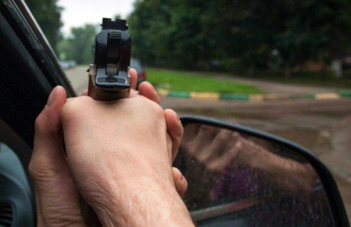 """&quotШість разів вистрілив у чоловіка і втік"""": У Києві поліція влаштувала полювання на чорний Mitsubishi (АХ1730СИ) - today.ua"""