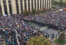 """""""Хватит нас запугивать!"""": Митинг в Москве набирает обороты (видео) - today.ua"""