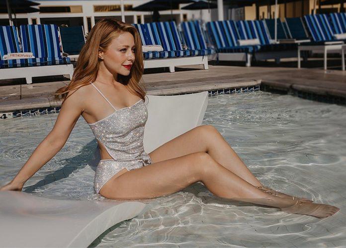 В купальнике с блестками: Тина Кароль поразила поклонников откровенным образом - today.ua