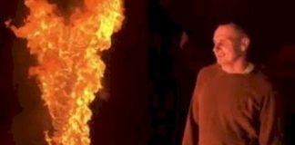 «Гори в аду, символ России»: Сенцов сжег тюремную робу (видео) - today.ua