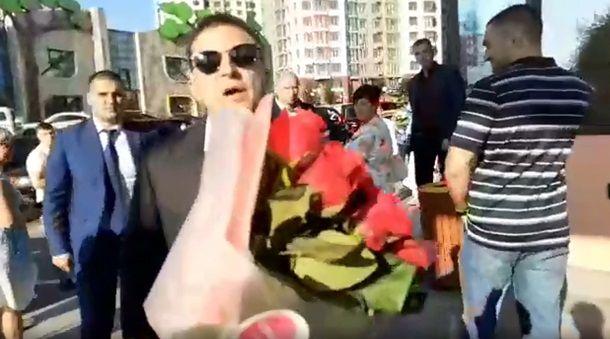 """""""Такого собі навіть Янукович з дружиною не дозволяли"""": Зеленського розкритикували за заборону журналістам знімати сина-першокласника"""