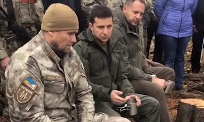 Это была провокация: появилось полное видео общения Зеленского с добровольцами в Золотом - today.ua