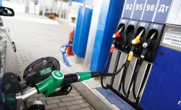 Бензин і дизпаливо в Україні почали дорожчати: відомі причини - today.ua