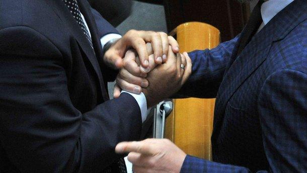 Рада приняла закон о взяточництве: какое вознаграждение ожидает обличителей коррупции - today.ua