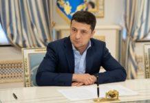 В Україні змінилися правила продажу квартир, будинків і землі: Зеленський підписав антирейдерський закон - today.ua