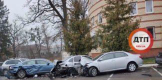 ДТП під Києвом: п'яна дівчина на джипі розбила шість авто - today.ua