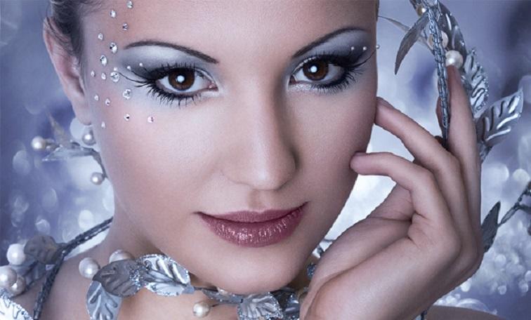 Какой новогодний макияж подойдет девушкам каждого знака зодиака - today.ua