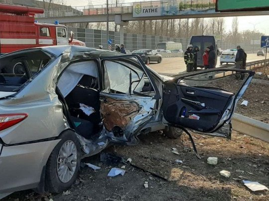 Омбудсмен Кулеба з синами потрапив в жахливу ДТП - Відео - today.ua