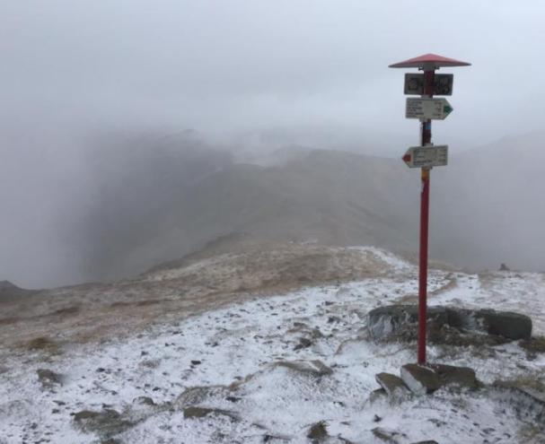 Україну почало засипати снігом: у мережі з'явилися перші фото