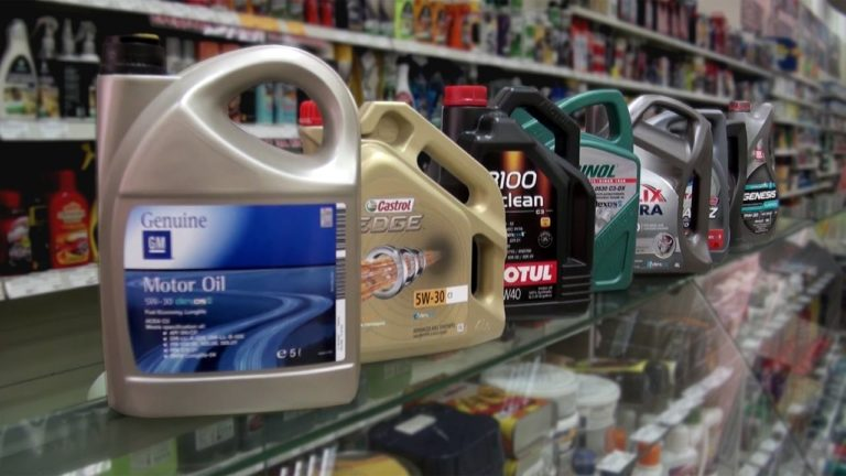 Можно ли заводить мотор автомобиля, если уровень масла ниже минимального