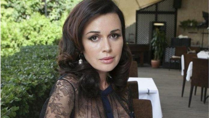Анастасия Заворотнюк вышла на связь: российская телеведущая рассказала о состоянии больной актрисы - today.ua