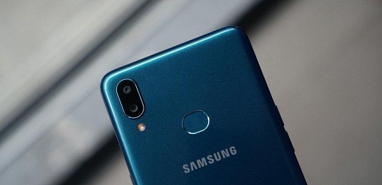 Samsung Galaxy A01 вразить своєю дешевизною
