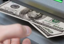 ПриватБанк разъяснил порядок конвертации валюты: куда исчезают деньги со счетов - today.ua
