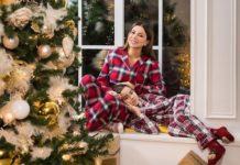 """""""Самое теплое фото"""": Ани Лорак показала себя и дочку в пижамах возле елки - today.ua"""