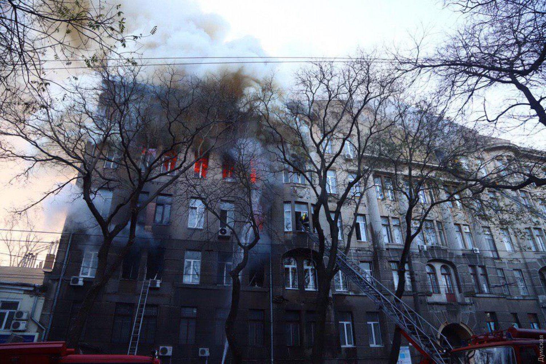 Пожежа в одеському коледжі: знайдено тіло ще однієї загиблої - today.ua