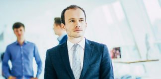 """Министр требует повысить зарплату до 80 тыс. грн и шантажирует увольнением"""" - today.ua"""