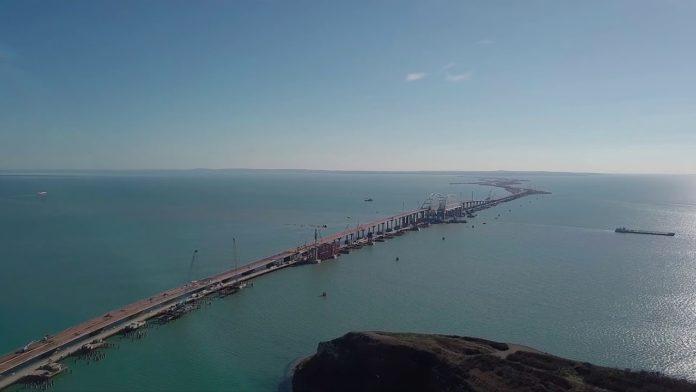 У Великобританії туристам пропонують проїхатися по Кримському мосту: з'явилася реакція України - today.ua