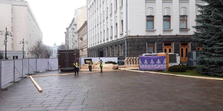Митингуйте на коньках: под Офисом президента строят каток - today.ua