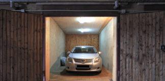 Чому автомобіль шкідливо зберігати взимку в гаражі - today.ua
