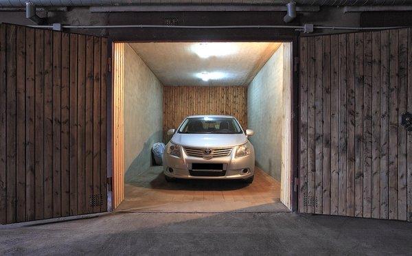 Почему автомобиль вредно хранить зимой в гараже - today.ua