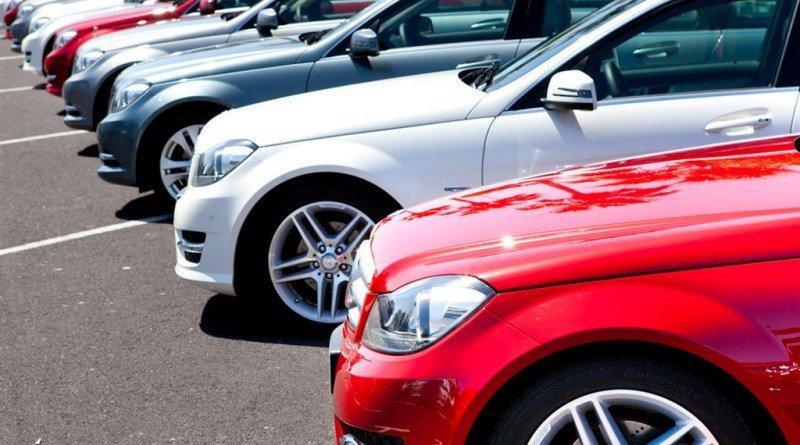 Що загрожує українцям, які купили автомобіль з США