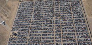 Тисячі нових автомобілів Volkswagen ржавіють в пустелі - today.ua