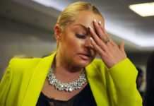"""""""Коліна з'їхали, а груди перемістилися"""": Волочкова шокувала безглуздою позою - today.ua"""
