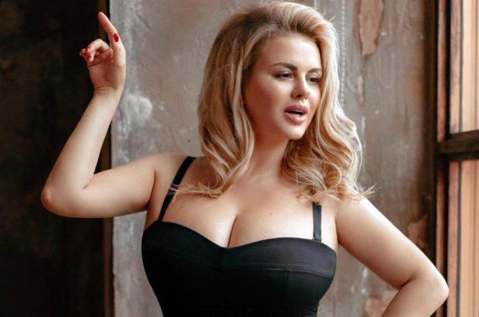 """&quotЯ роздягаюся - і плачу"""": Анна Семенович розповіла, скільки важать її груди - today.ua"""