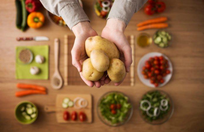 Картопляна дієта для схуднення: дієтологи розповіли про користь та шкоду - today.ua
