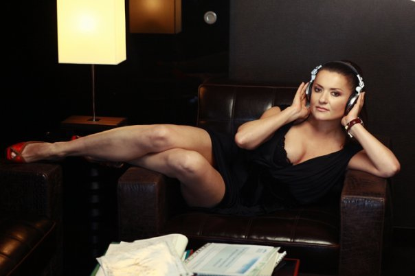 """""""Посмотрите, какое тело!"""": Наталья Могилевская показала свои сексуальные ножки - today.ua"""