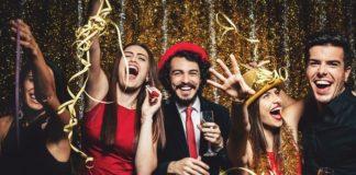Новий рік 2020 за гороскопом: кому із знаків Зодіаку краще відсвяткувати вдома, а кому - з друзями - today.ua
