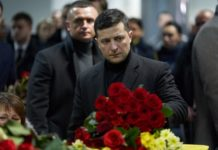 """""""Загиблих на Донбасі Зеленський не помічає"""": журналісти обурились тим, як влада зустрічала жертв авіакатастрофи в Ірані - today.ua"""