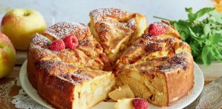Десерт за полчаса: рецепт аппетитной шарлотки с яблоками - today.ua