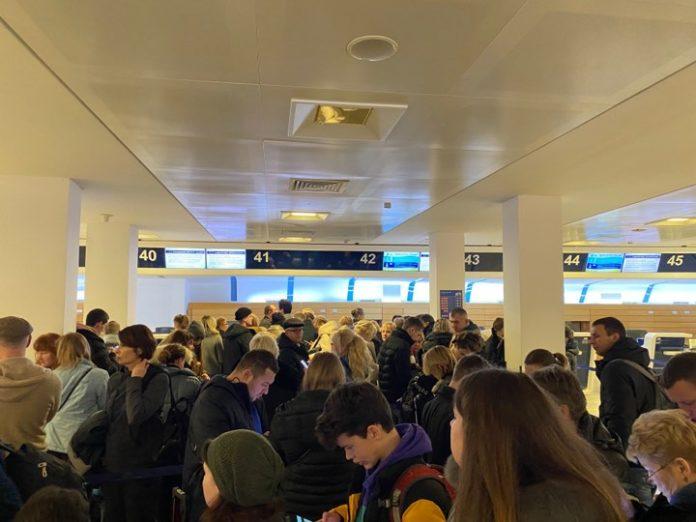 Українські пасажири понад дві доби не можуть вилетіти з Італії: що сталося - today.ua