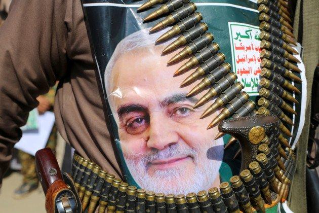 Скорботна хода і обіцяння помсти: з'явились фото з похорон Сулеймані в Ірані - today.ua