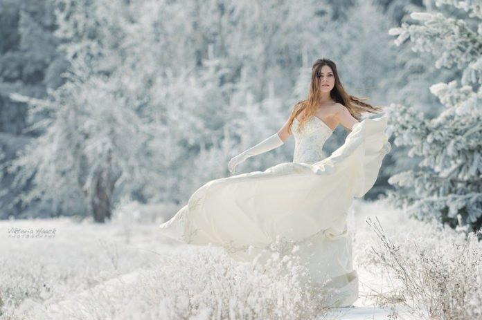 Зачіска нареченої: який варіант обрати для весілля взимку