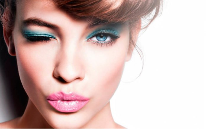 Романтичний макіяж за 15 хвилин: актуальні поради від візажистів