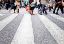 Пешеходов хотят заставить носить светоотражающие жилеты - today.ua