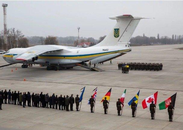 У Борисполі прощалися з українцями, загиблими в авіакатастрофі на території Ірану - today.ua