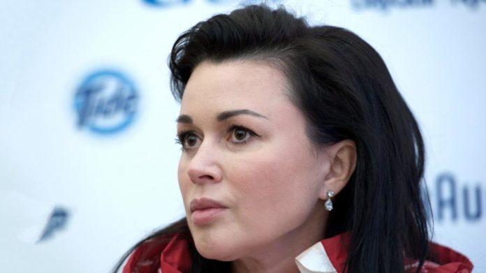 Главный онколог России не оставил Анастасии Заворотнюк надежды на излечение - today.ua