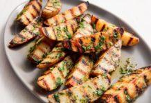 Як приготувати картоплю на грилі з часником: простий рецепт пікантного гарніру - today.ua