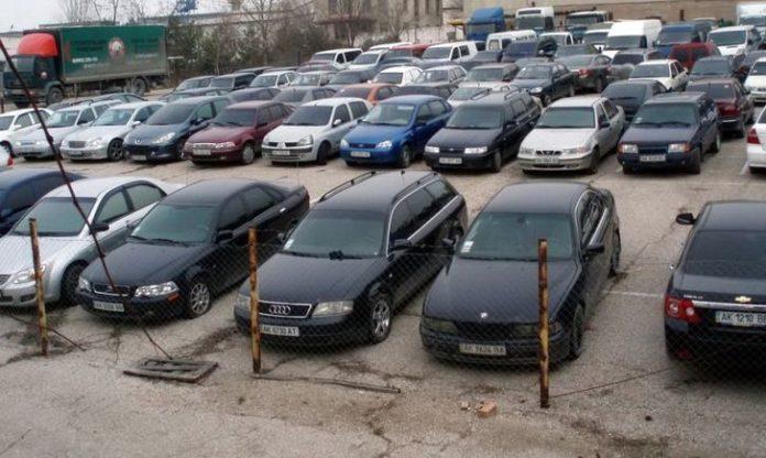 Українцям пропонують іномарки за ціною мобільного телефону - today.ua