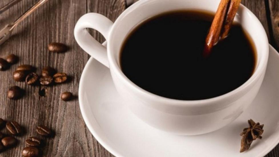 Что произойдет с организмом, если пить кофе с алкоголем: 3 варианта развития событий