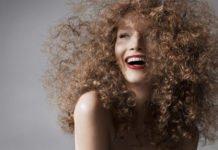 ТОП-3 лучшие весенние прически для пушистых волос - today.ua