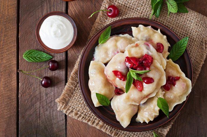 Вареники на пару: швидкий рецепт простої страви з різними начинками - today.ua